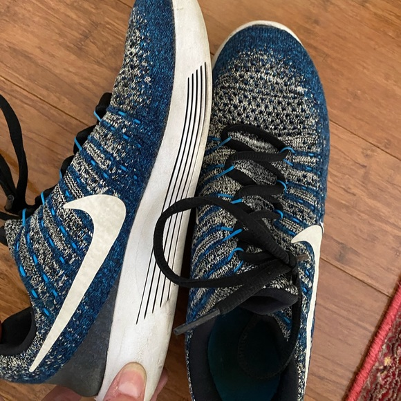 Nike Shoes - Blue and silver grey Nike fly knits 7.5 women's